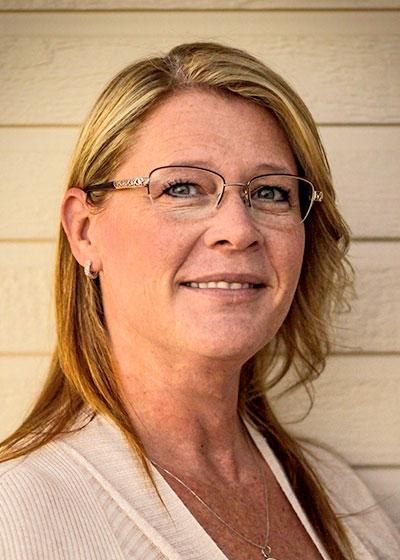Elizabeth Roeper - Inszone Insurance Personal Insurance Specialist